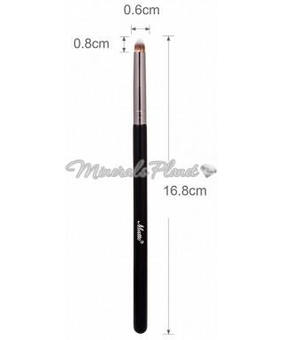 Кисть M-blending для нанесения и растушевки минеральных теней