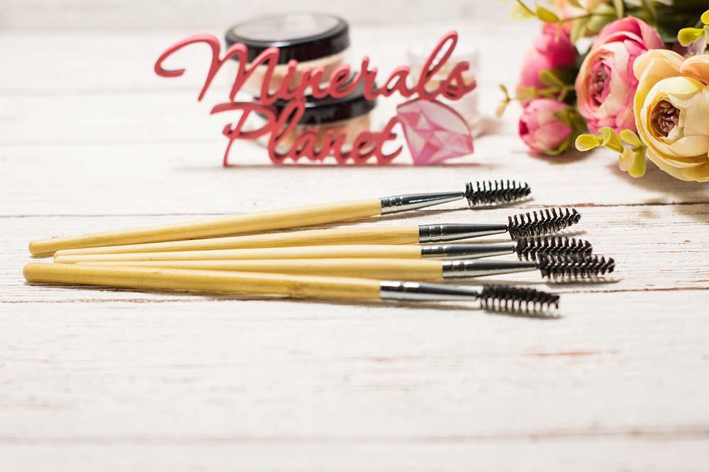 Кисть с бамбуковой ручкой bamboo brush comb
