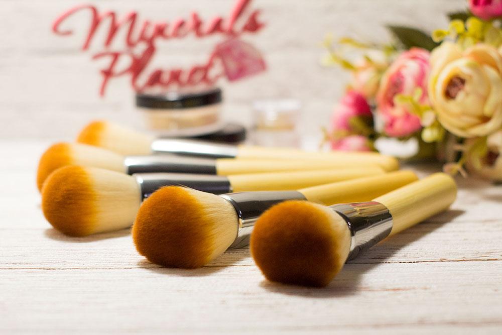 Кисть с бамбуковой ручкой bamboo brush для минеральной косметики